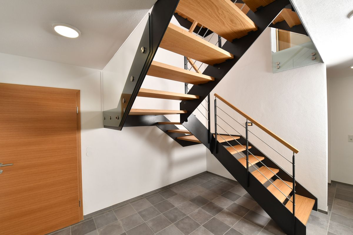 treppe cheap treppe in grefrath von tischlerei stje with treppe top with treppe interesting. Black Bedroom Furniture Sets. Home Design Ideas